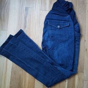 Boot cut maternity jeans. Medium.